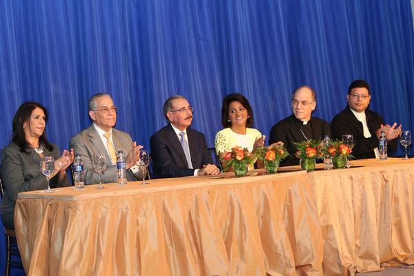Medina y Primera Dama encabezan Almuerzo Anual de Fundación RENASERC