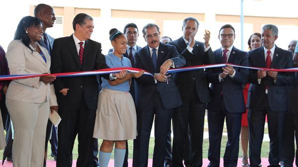Santo Domingo y Monte Plata reciben nuevas aulas para tanda extendida