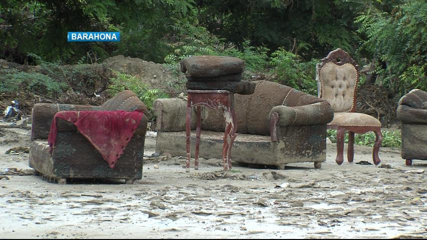 Lluvias dejan numerosas viviendas inundadas en Barahona