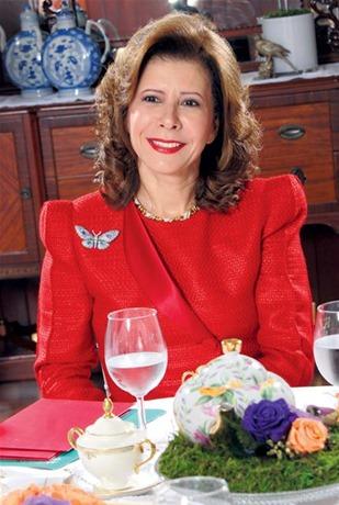 Melba Segura de Grullón recibe Premio Mujer Internacional 2014