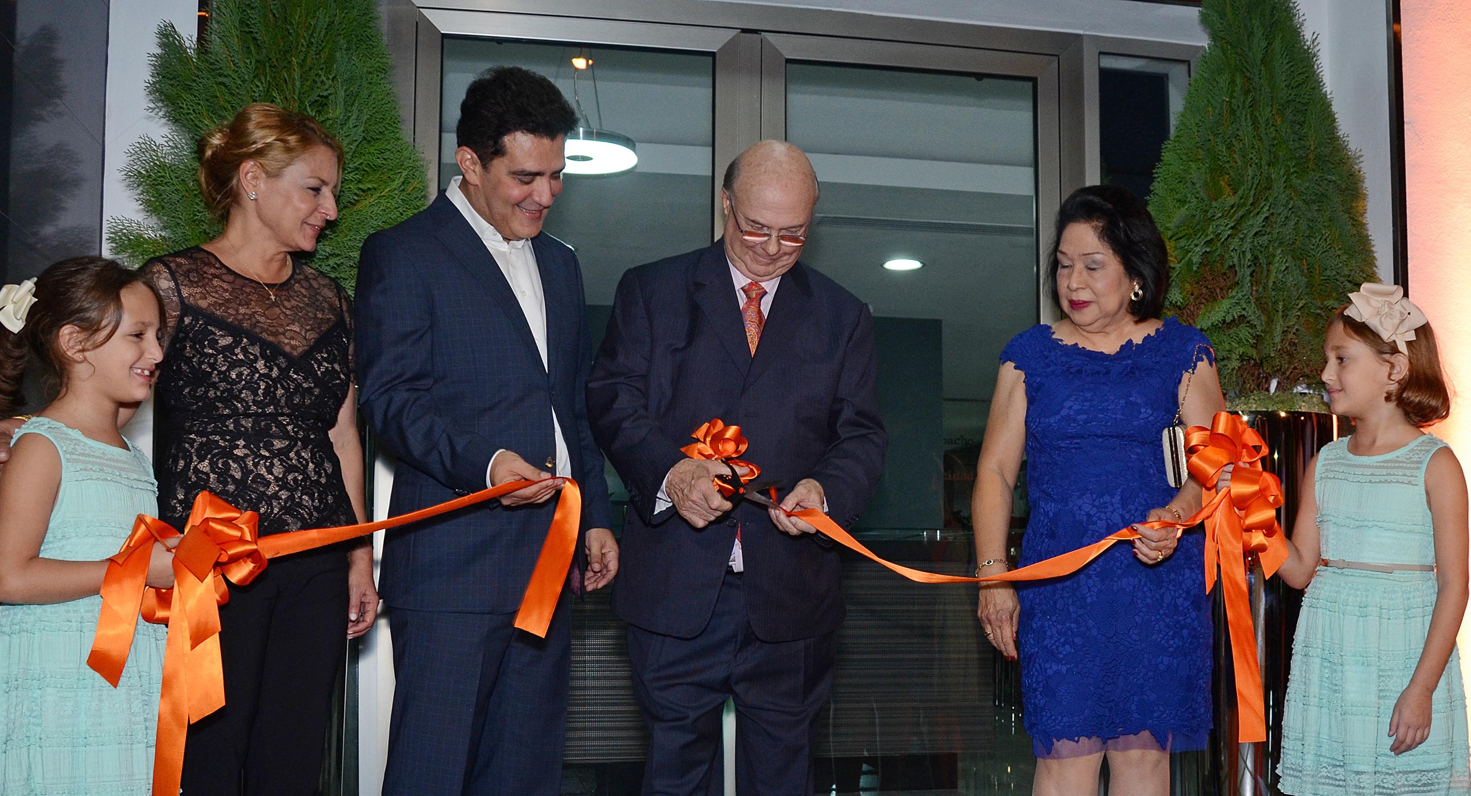 Inauguran nuevas instalaciones de firma de abogados Julio Cury