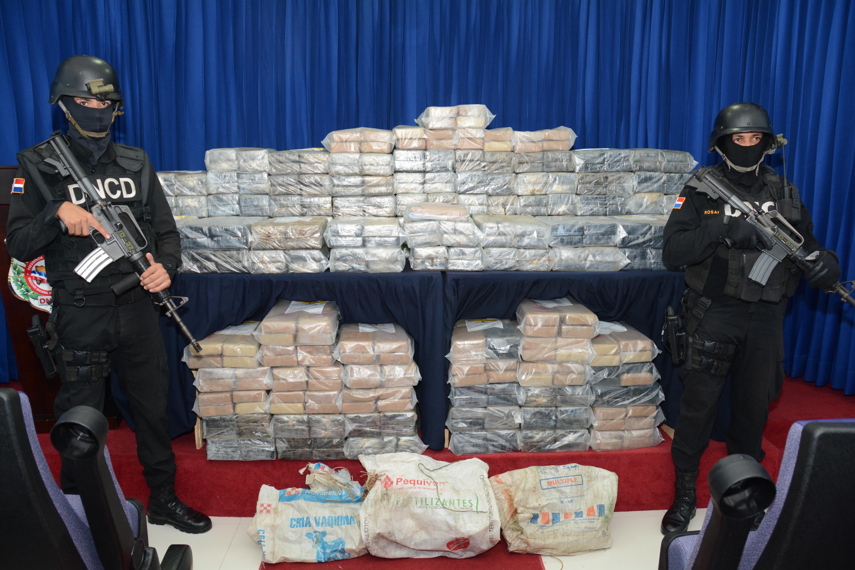 DNCD decomisa 775 paquetes de drogas cerca de la Isla Saona