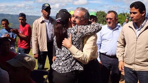 Danilo Medina visita el paraje El Guineal, en la provincia Duarte