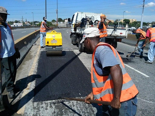 Obras Públicas intervino elevado avenida Luperón