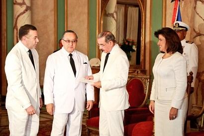 Embajadores de Paraguay, Cuba y El Salvador presentan credenciales a Danilo