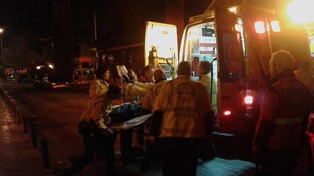 Joven gravemente herida tras intentar saltar de un balcón a otro en España