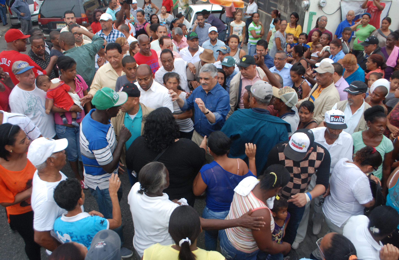 Miguel instruye activar estructuras del PRD; juramentan equipos