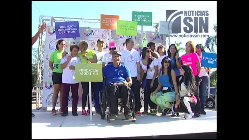 Cientos de jóvenes acuden a maratón para promover juventud saludable