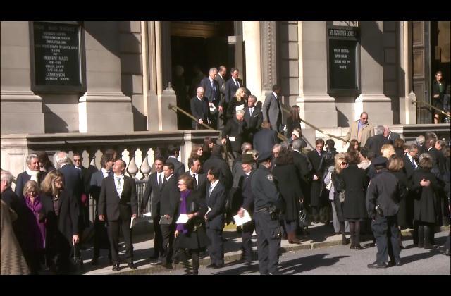 Con solemnes ceremonias despiden a Oscar de la Renta en NY