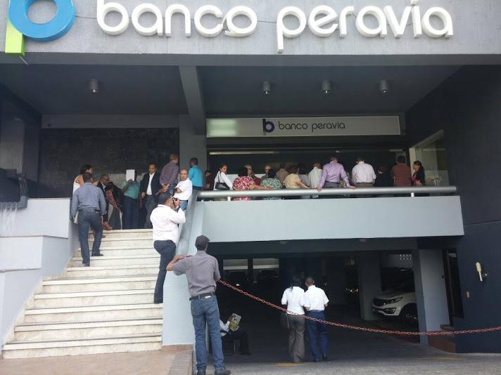 Senadores piden investigar a profundidad quiebra del banco Peravia