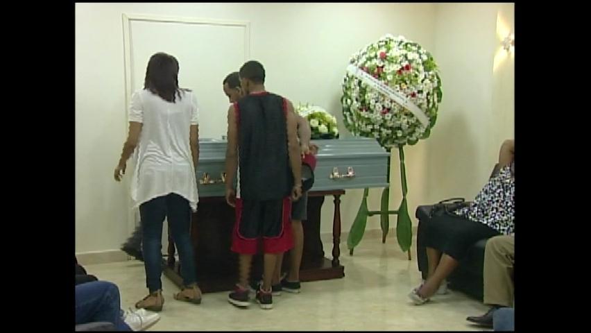 Velan restos de adolescente asesinado por PN en huelga