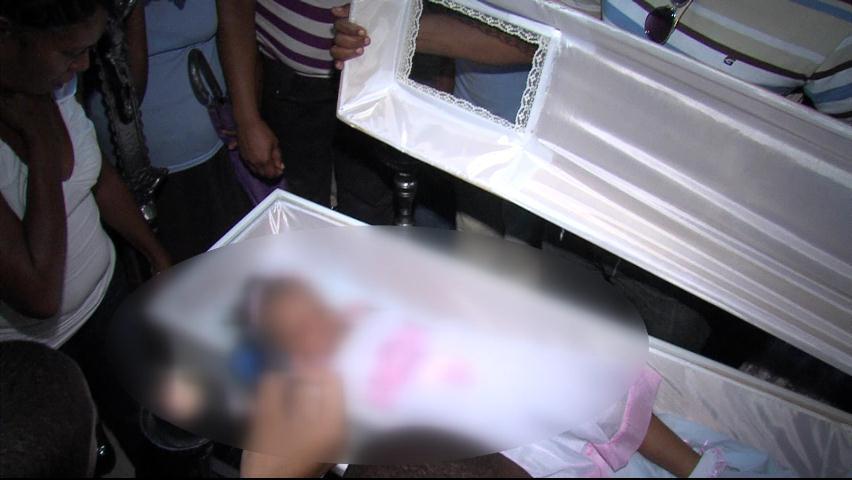 Sepultan restos de niña de tres años asesinada por padrastro