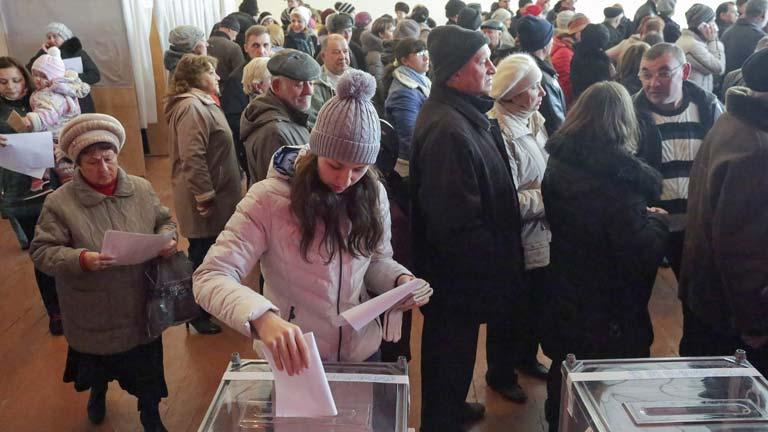 Gasto para elecciones en EEUU suma 3.670 millones de dólares, según estudio