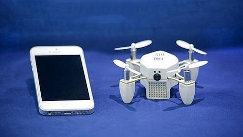 Zano, un mini drone que vuela solo