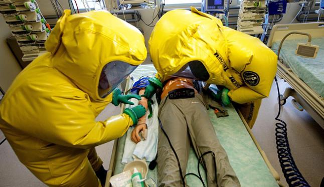 Holanda recibe primer enfermo de ébola