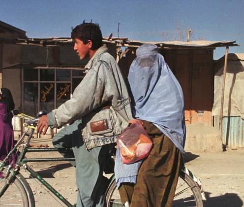 Pareja afgana recibe cien latigazos por tener relaciones sin estar casados