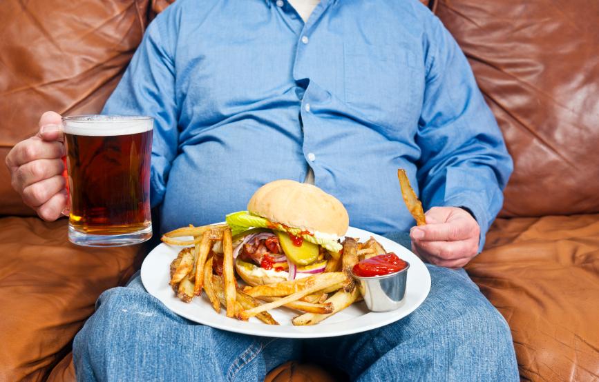 Experto aconseja que  restaurantes de comida rápida se nieguen a servir a obesos