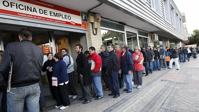 Grandes empresas españolas proponen medidas para crear 2,3 millones de empleos