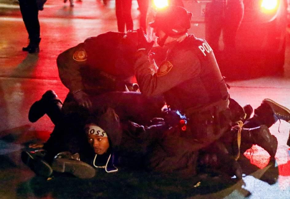 Más de 400 detenidos en EE.UU. tras el fallo del jurado en caso Michael Brown