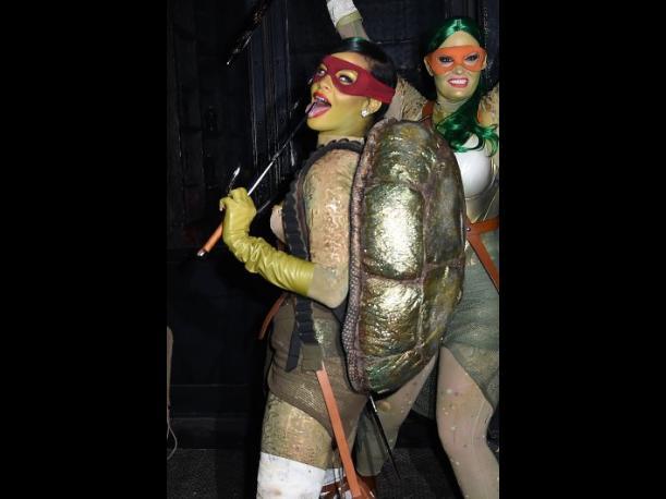 Rihanna volvió a Instagram como una sexy Tortuga ninja