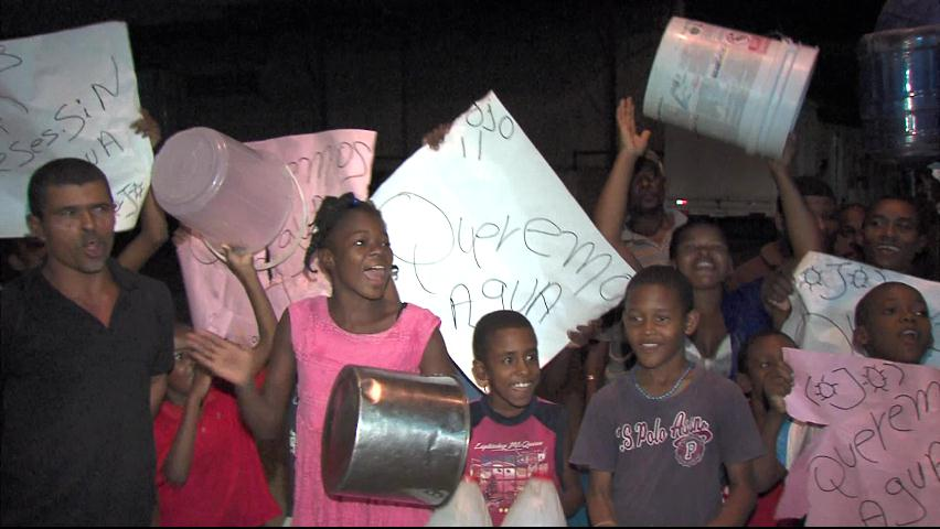 Moradores en SDN denuncian que llevan tres meses sin agua potable