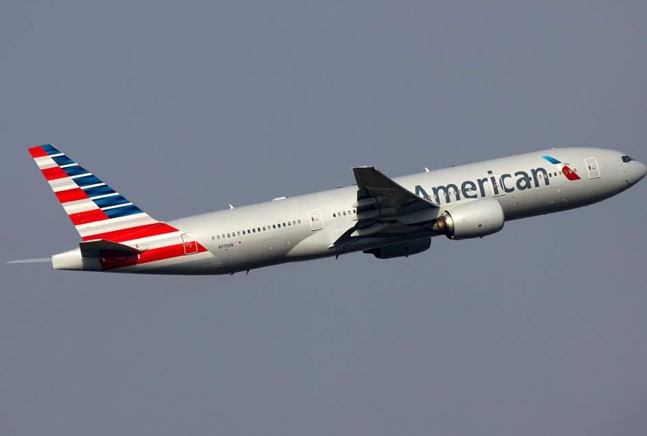 Doce heridos al aterrizar de emergencia avión de American Airlines