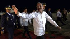 Medina retorna al país tras participar en cumbre SICA