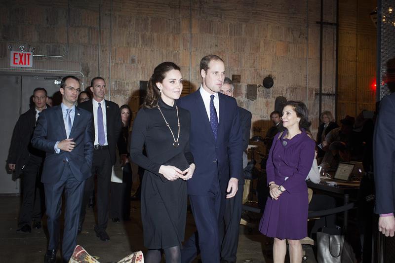 Los duques de Cambridge vistan memorial del 11S en su último día en NY
