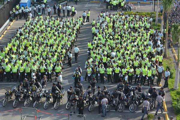 Hoy inicia operativo Navidad Tranquila 2014; más de 28 mil agentes estarán en las calles