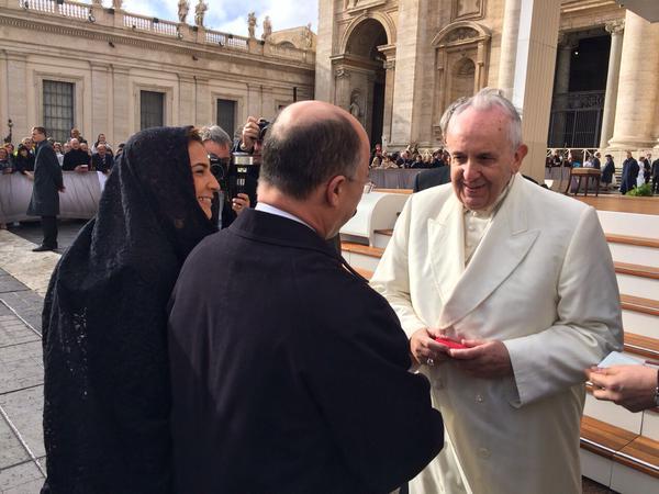 Domínguez Brito y Papa Francisco conversan en el Vaticano