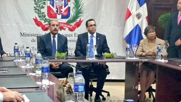 Cancillería presenta a Medina elaboración de proyectos de nueva política exterior
