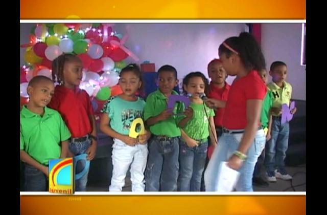 Con cantos y poesías Colegio Bautista le da la bienvenida a la navidad