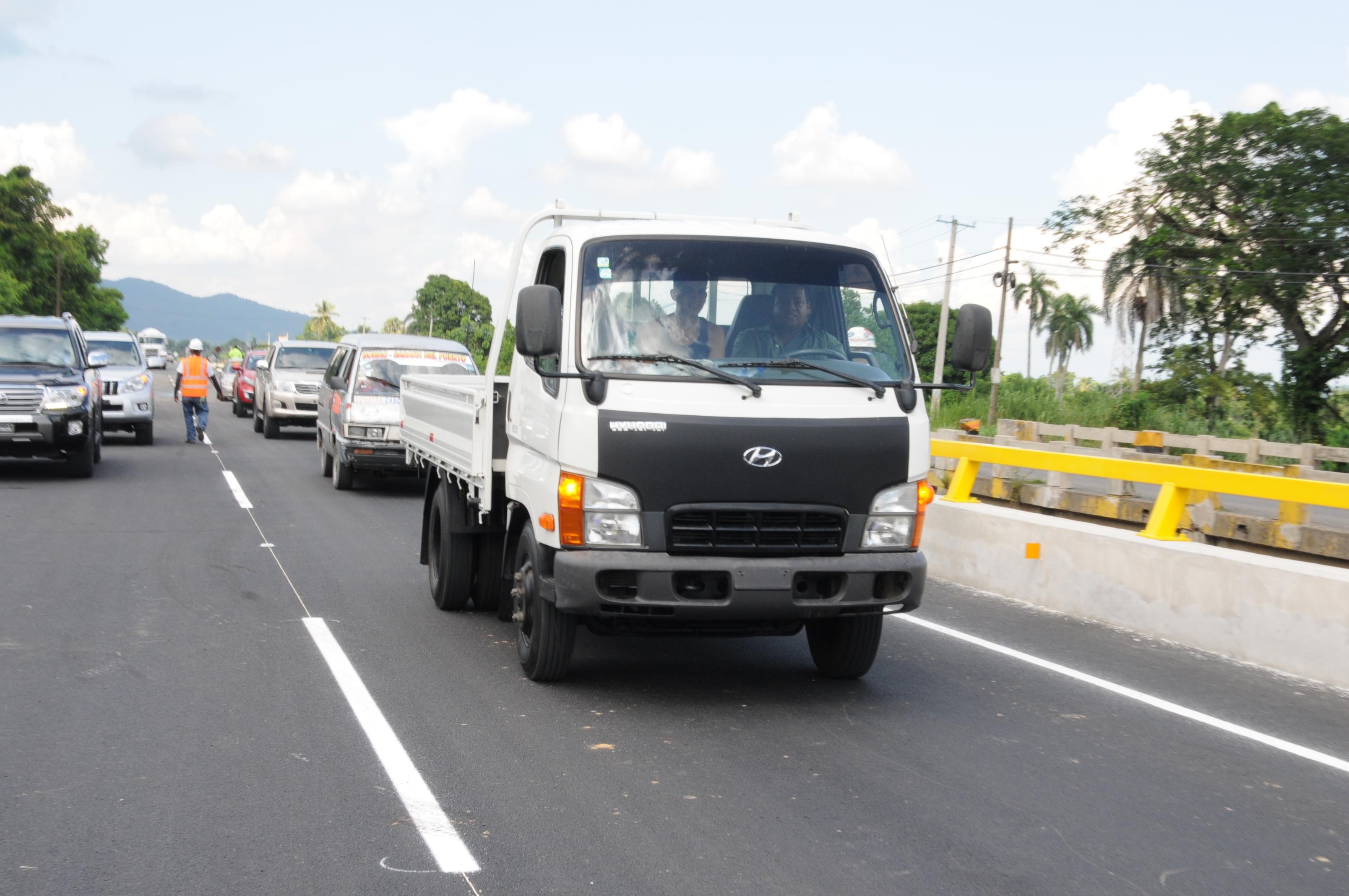 MOPC prohíbe tránsito de vehículos pesados en Navidad y Año Nuevo