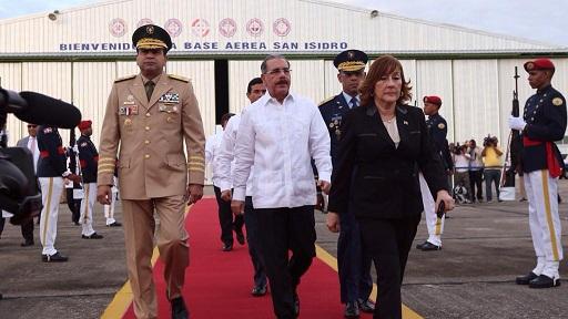 Presidente Medina sale hacia Belice para participar en la cumbre del SICA