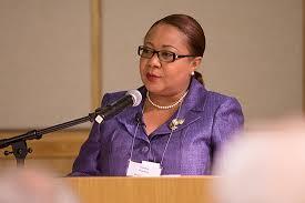 Haití nombra primera ministra interina en medio de crisis