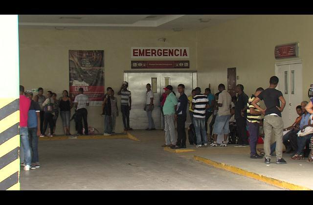 Cierre temporal de hospital Luis Eduardo Aybar aumenta número de pacientes en otros centros