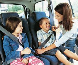 No ponerle el cinturón de seguridad a los niños es un riesgo