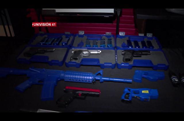 NY aumentará arsenal de taser ¿qué tan riesgoso es este tipo de armas?