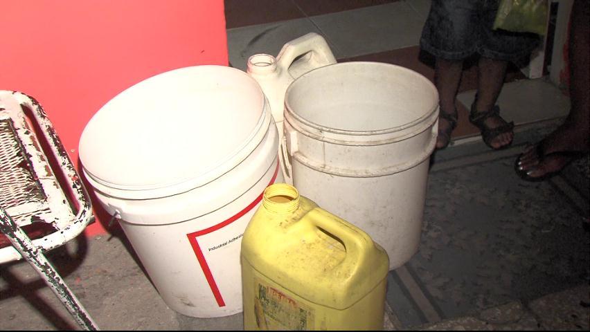 Residentes en Herrera denuncian tener varios años sin recibir agua potable