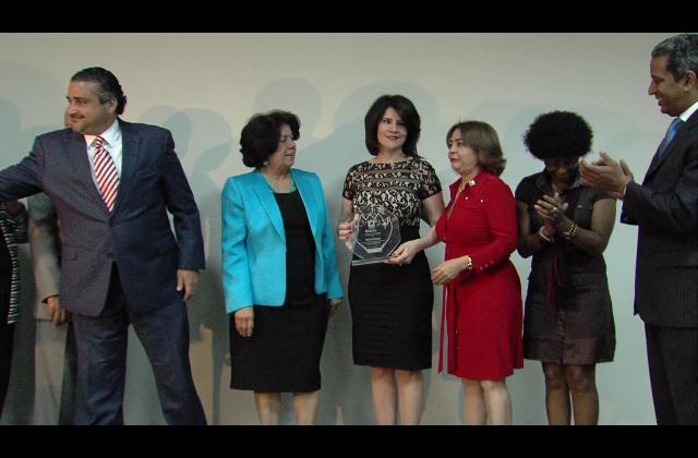 Participación Ciudadana reconoce a Alicia Ortega por su integridad y lucha contra la corrupción