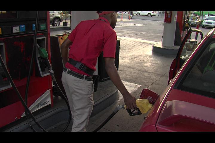 Cuestionan subsidios de combustibles; transportistas favorecen eliminación