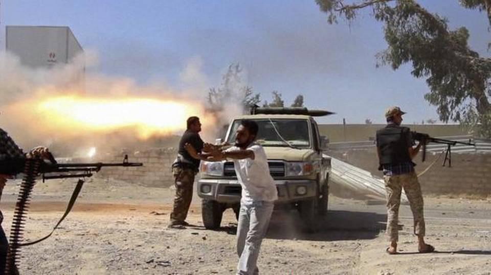 Aumentan a 27 los muertos y a más de 100 los heridos en los combates en Libia