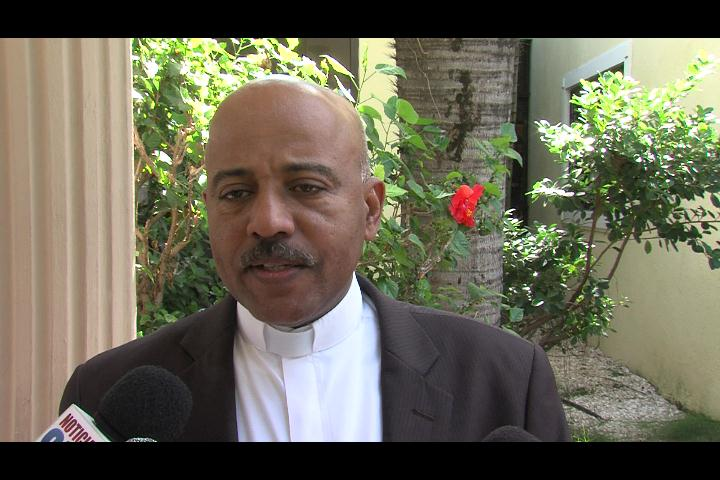 Iglesia desautoriza al padre Ruíz; aseguran que carta fue personal