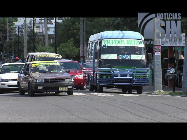 Usuarios del transporte público piden consideración con tema del pasaje