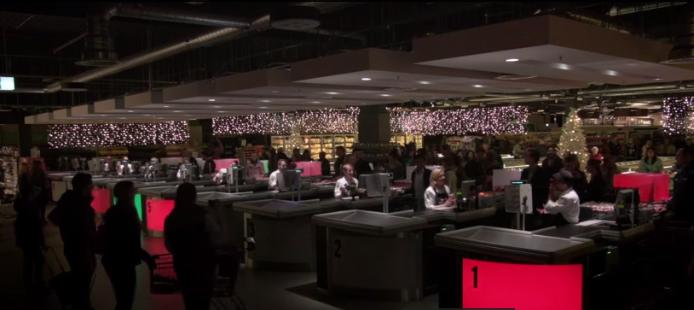 """Supermercado sorprende a sus compradores con """"Jingle Bells"""""""
