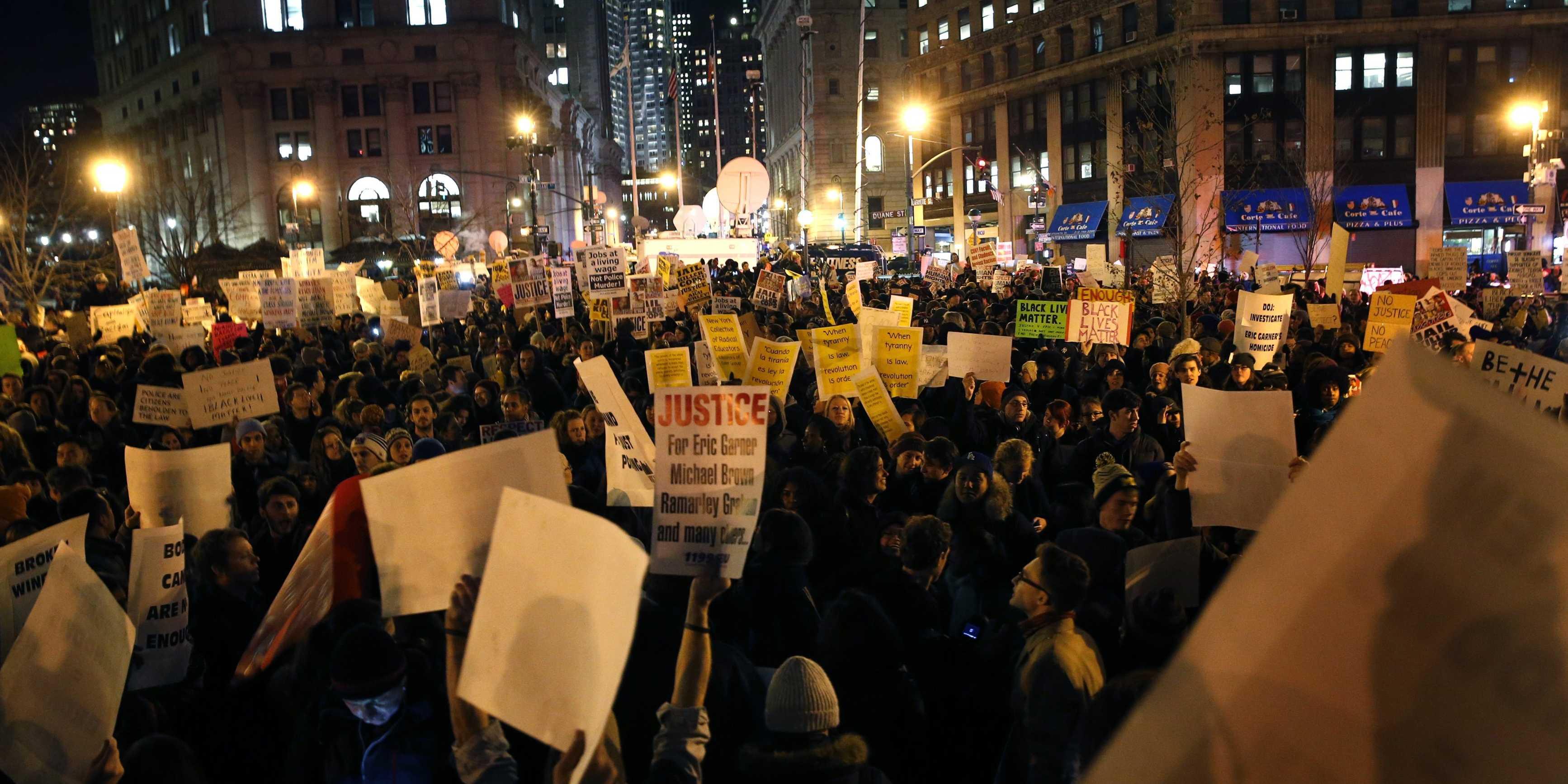 Miles de personas rechazan en Washington la violencia racial de la Policía