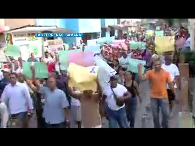En Las Terrenas marchan exigiendo solución del problema eléctrico