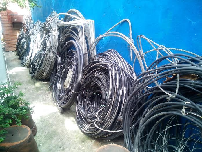 Donan utensilios decomisados en fraudes eléctricos