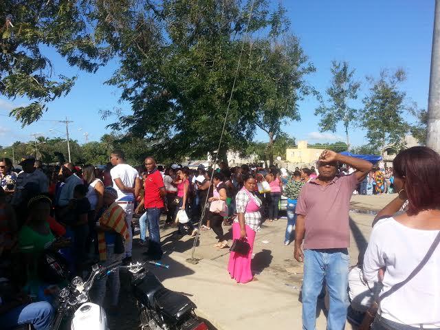 Familiares de reos protestan en La Victoria por  prohibición de visitas a  familiares