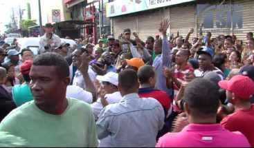 Choferes protestan en la avenida Duarte por muerte de tres compañeros